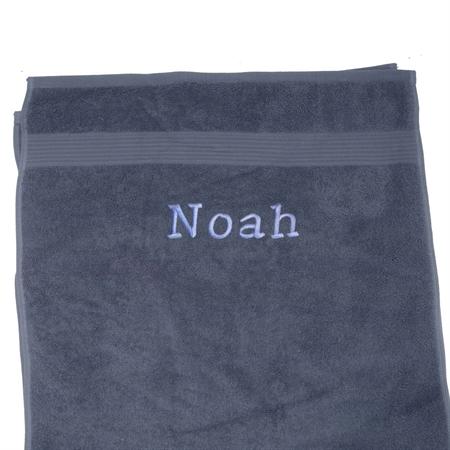 Image of   Håndklæde med navn. Mørkegrå 100x150