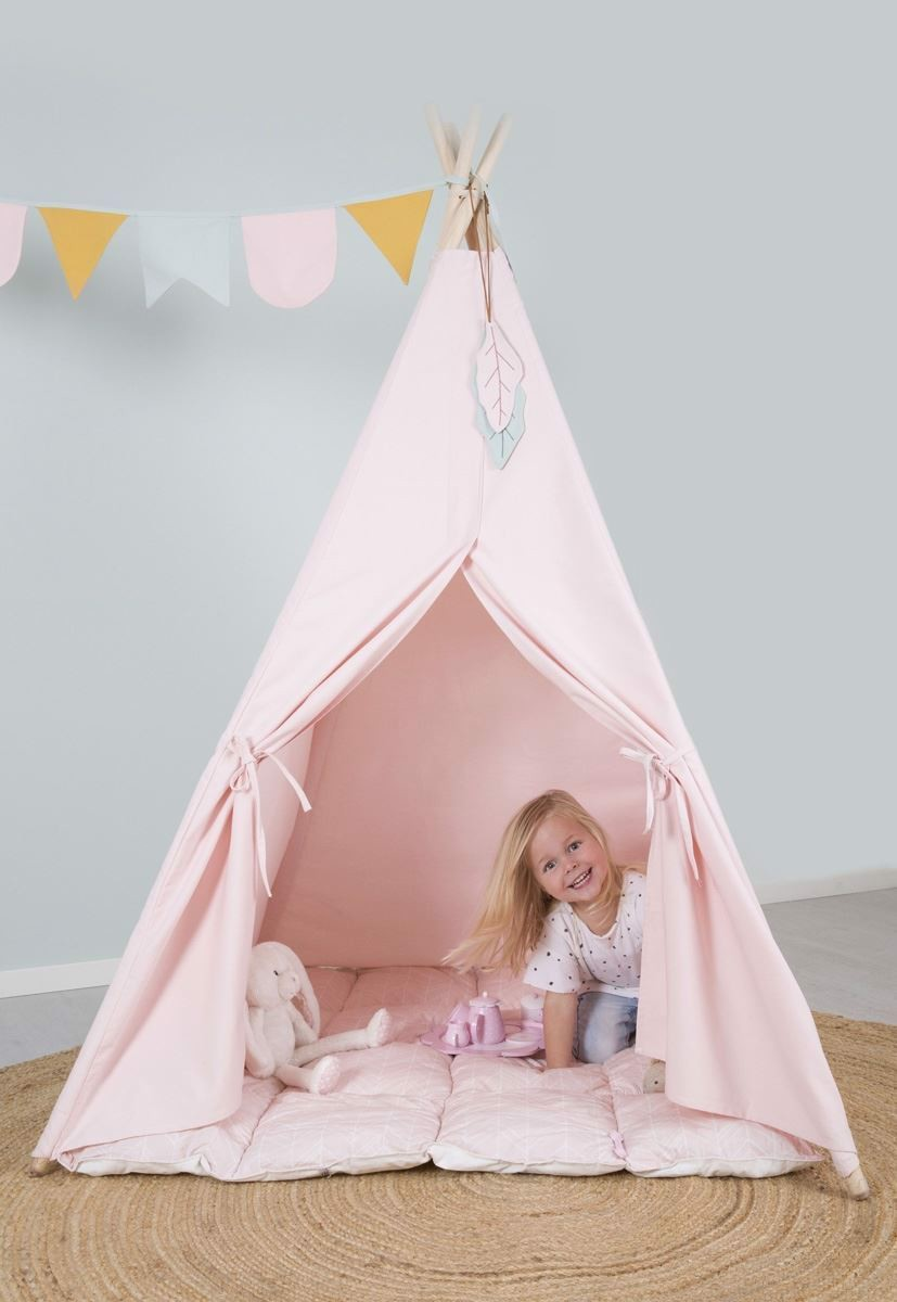 Tepee - pink with floor mat and decorations